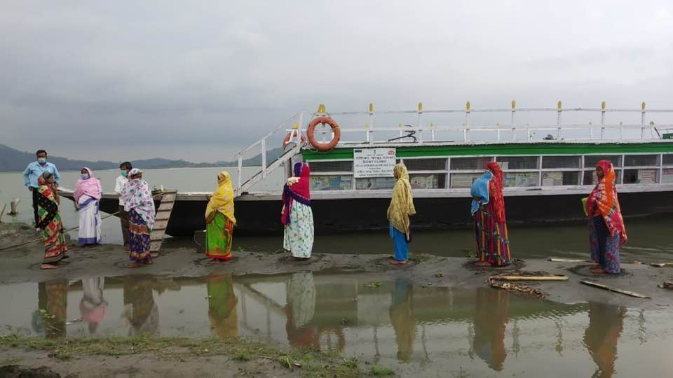 Boat clinic at work in Assam