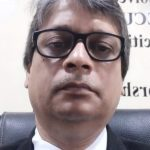 लेखक अखिलेश श्रीवास्तव का चित्र
