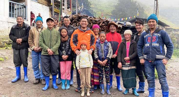 जनता से मिलने 11 घंटे पैदल चले पेमा खांडू