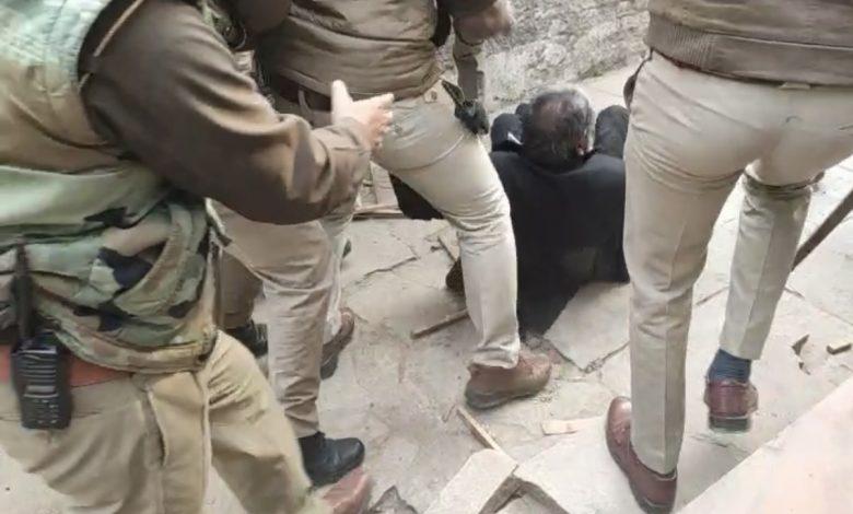 इलाहाबाद हाईकोर्ट ने एटा के वकील की पुलिस पिटाई पर सीजेम से रिपोर्ट माँगी