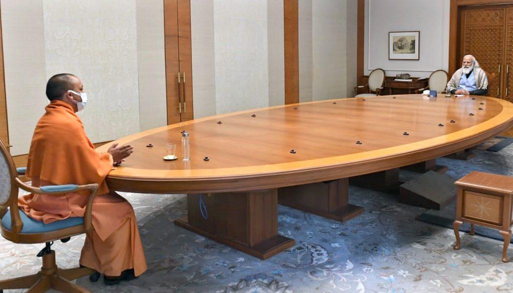 मुख्यमंत्री योगी आदित्यनाथ की प्रधानमंत्री नरेंद्र मोदी से मुलाक़ात